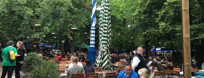 Augustiner Biergarten is one of Orte, die Drew gefallen.