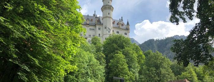Schloss Neuschwanstein is one of Drew'in Beğendiği Mekanlar.