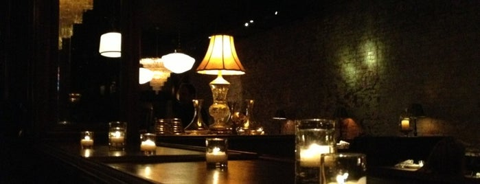 Bavette's Bar and Boeuf is one of Chicago's Coziest Spots.