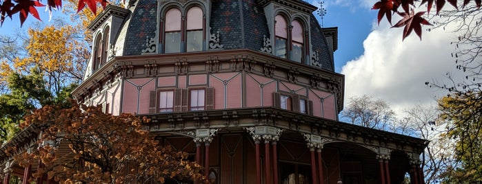 Armour-Stiner House is one of Lugares favoritos de Nate.