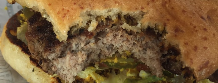Heff's Burgers-Sweetwater is one of No 님이 좋아한 장소.