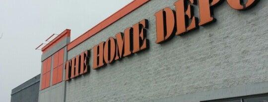 The Home Depot is one of Locais curtidos por Karen.