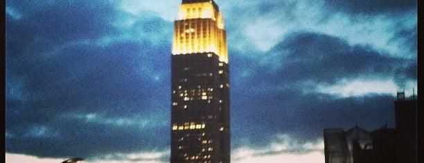 Empire State Building is one of Лучшее.