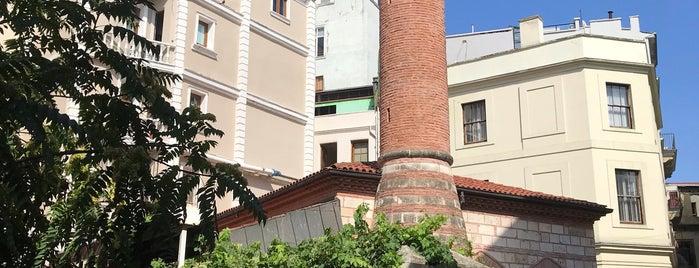 Beyoğlu Göz Eğitim ve Araştırma Hastanesi is one of Posti che sono piaciuti a Nurans.