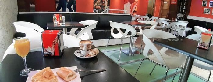 Café Bar El Doctorado is one of Ro'nun Beğendiği Mekanlar.