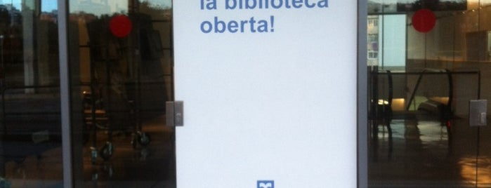 Biblioteca El Clot - Josep Benet is one of Tempat yang Disukai Nica.