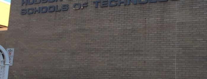 Hudson County Schools Of Technology is one of Paco 님이 좋아한 장소.