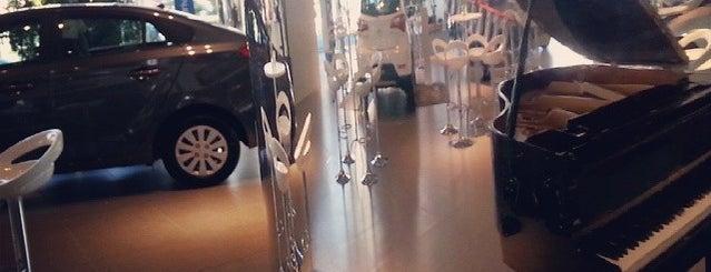 Hyundai Sinal is one of Posti che sono piaciuti a Tania Ramos.