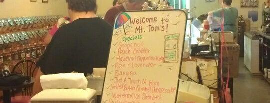 Mt. Tom's Homemade Ice Cream is one of Lugares favoritos de Tobias.