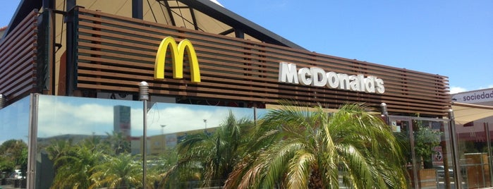 McDonald's is one of Tempat yang Disukai Nikolay.