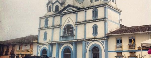 Plaza Bolivar is one of Lugares favoritos de Federico.