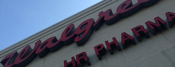 Walgreens is one of Lugares favoritos de B David.