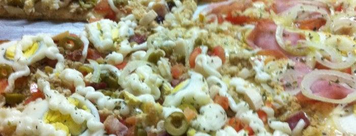 Gourmet Pizzaria is one of Locais curtidos por Arthur.