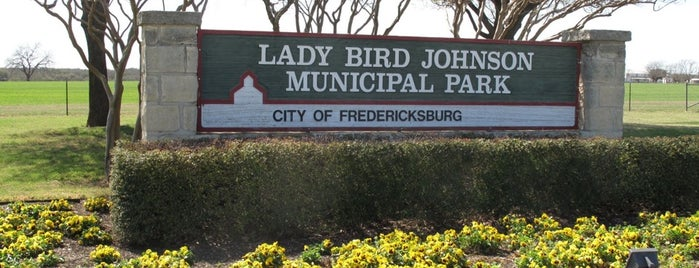 Lady Bird Johnson Municipal Park is one of Lugares guardados de Mary.