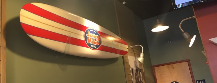 Jersey Mike's Subs is one of Dulani 님이 좋아한 장소.