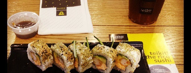 Teikit Sushi Shop is one of Lugares favoritos de Esther.