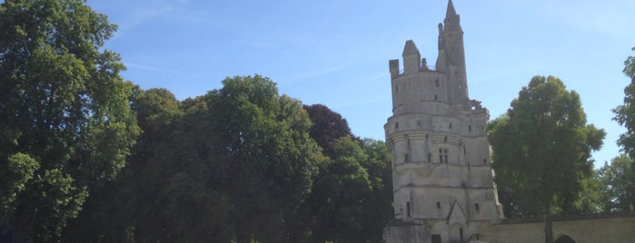 Le château de Septmonts is one of Orte, die Jules gefallen.