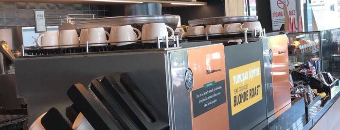 Starbucks is one of Dsignoria 님이 좋아한 장소.