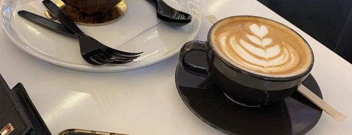 Caffè Di Classe is one of Tempat yang Disimpan Queen.