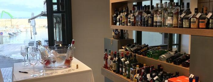 Siganos Wine & Spirits is one of Lieux qui ont plu à Manos.
