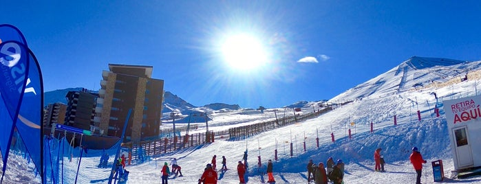 SnowPark El Colorado is one of Tempat yang Disukai Ricardo.