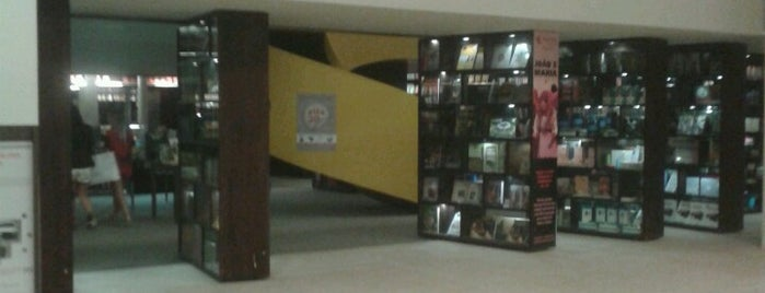 Livraria da Vila is one of Shopping Cidade Jardim.