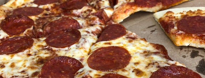 Little Caesars Pizza is one of Armandoさんのお気に入りスポット.