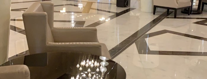 Hilton Suites Makkah is one of Nouf : понравившиеся места.