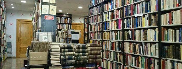 Librería Praga is one of Lugares guardados de Drive.