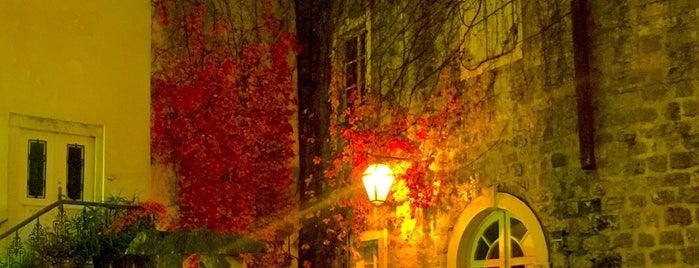 Stari grad Budva / Old Town Budva is one of Orte, die Mikhail gefallen.