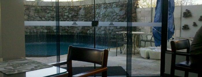 Antonio's Palace Hotel is one of Manoel'in Beğendiği Mekanlar.