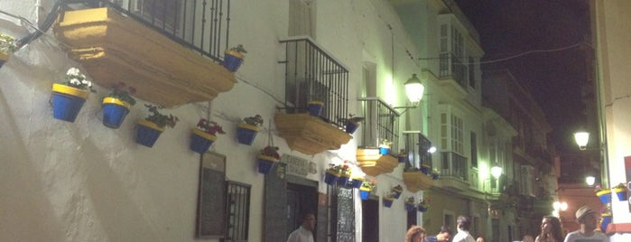 Bar Pájaro Pinto (Taberna El Tío de la Tiza) is one of Cadiz.