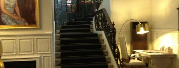 Hotel Infante Sagres is one of Porto.