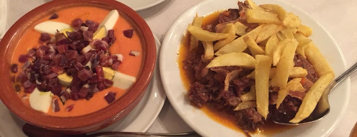 Taberna Salinas is one of Donde comer y tapear en Córdoba.