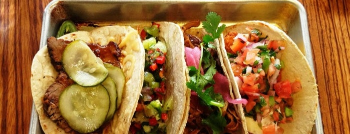Bodega Taco Bar is one of Lugares favoritos de Emily.