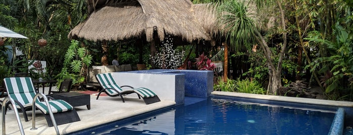 Hotel Villas el Encanto is one of Locais curtidos por Lars.