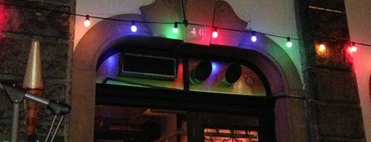 Cargo Bar is one of Locais curtidos por Kristof.