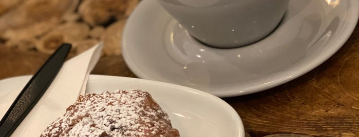 Pilgrim Coffee Company is one of Tempat yang Disukai Matt.