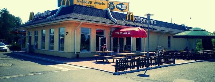 McDonald's is one of Lugares favoritos de v.