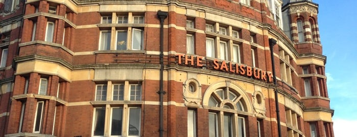 The Salisbury Hotel is one of Posti che sono piaciuti a Dan.