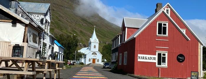 Seyðisfjarðarkirkja is one of Locais curtidos por Migue.