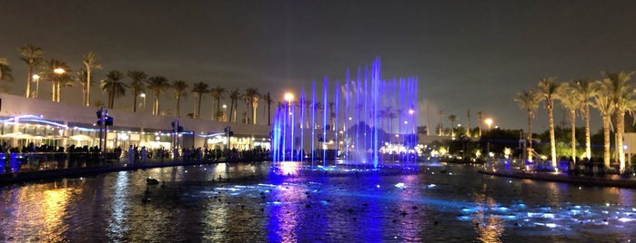 Kuwait Opera House is one of Hisham : понравившиеся места.