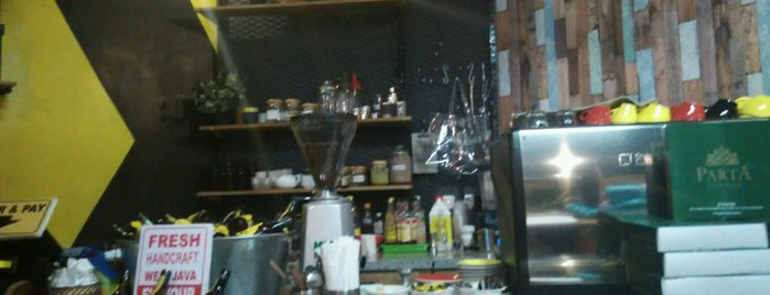 Yellow Black - Specialty Coffee And Tea is one of Bandung Coffee Shops 2017.
