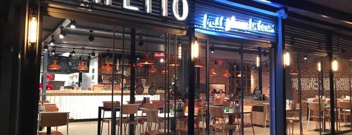 Bafetto Pizza is one of สถานที่ที่บันทึกไว้ของ Emin.