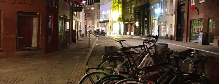 Retro Copenhagen is one of KBH Bars.