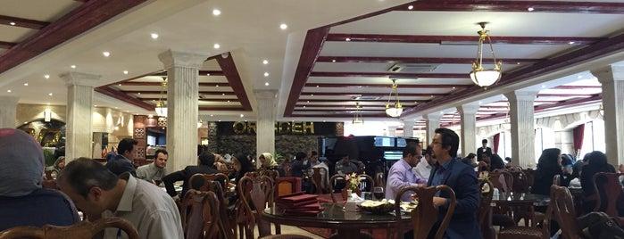 Orkideh Restaurant | رستوران اركيده is one of Gespeicherte Orte von Nora.