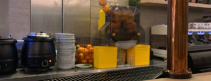 Pastelaria Tupi is one of Porto.