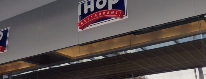 IHOP is one of Lieux qui ont plu à Maximiliano.
