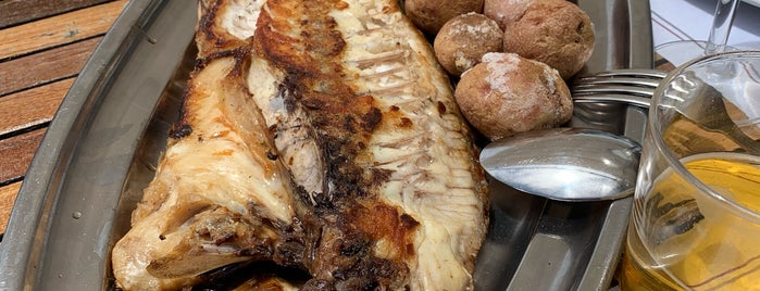 El Caleton Restaurant is one of Posti che sono piaciuti a Sébastien.