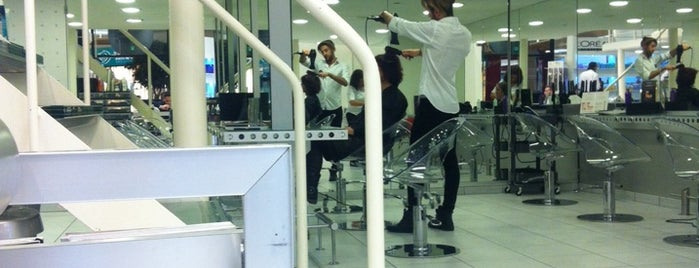 H&L Coiffure is one of Lugares favoritos de Christian.
